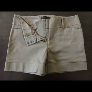 Super Cute Khaki Shorts